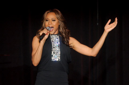 Deborah cox covers i will always love you for whitney for Cox houston